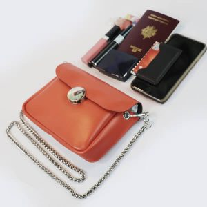 Mini-sac-cuir-orange-pratique